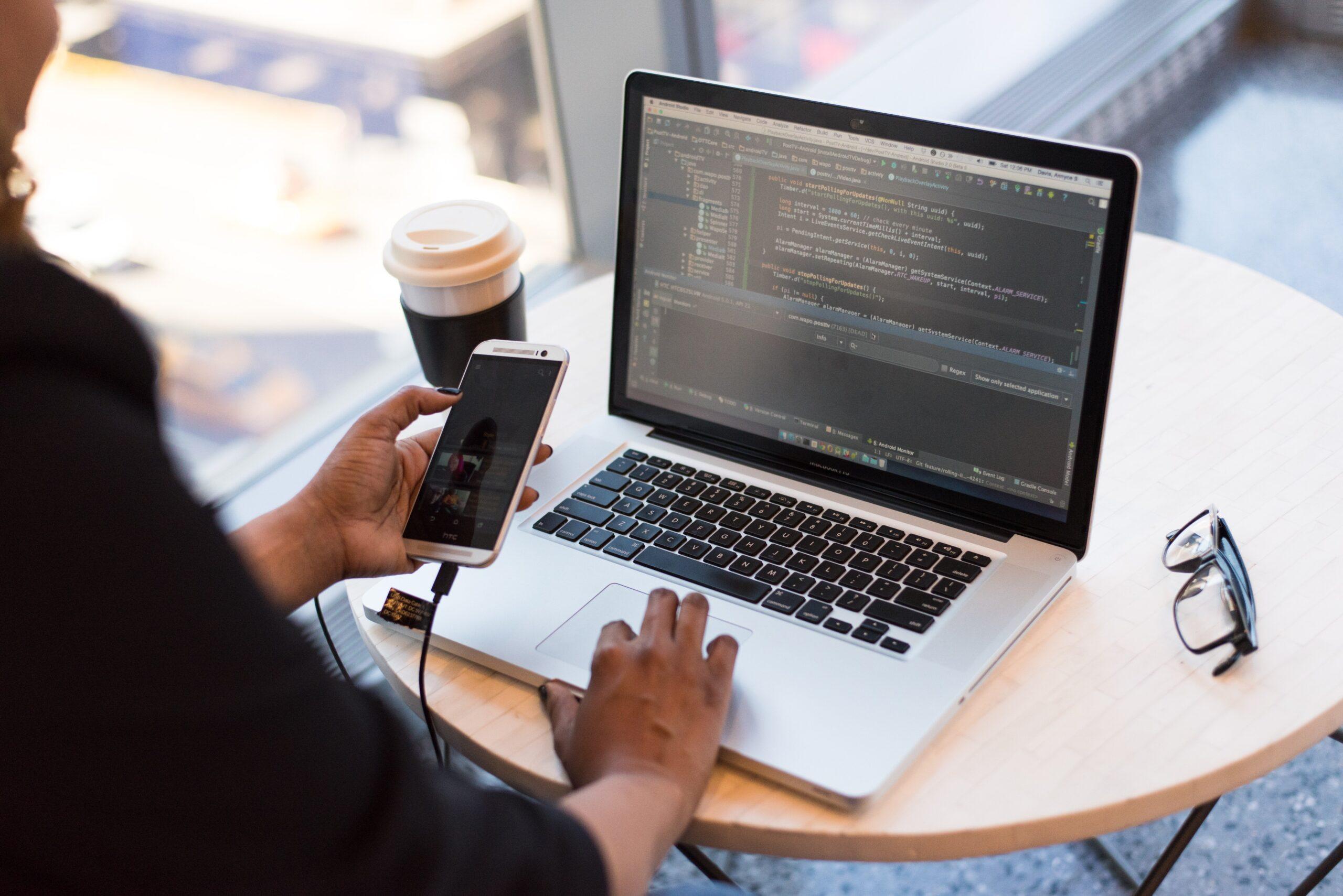 """Balancear el riesgo """"BYOD"""" con la gestión de accesos privilegiados (PAM)"""